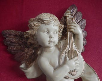 painted and patinated banjo player musicienen resin Cherub ivory bronze wings