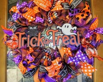 Trick or Treat Wreath, Halloween Wreath, Halloween Door Hanger, Ghost Wreath, Owl Wreath,  Halloween Mesh Wreath