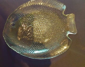 Vintage glass fish plate