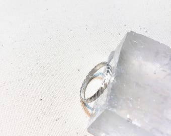 Sterling silver rope ring. sterling silver twist ring. silver rope band. silver twist band. thick silver band. wedding band. Ring size 6