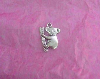 5 koala shaped Charm