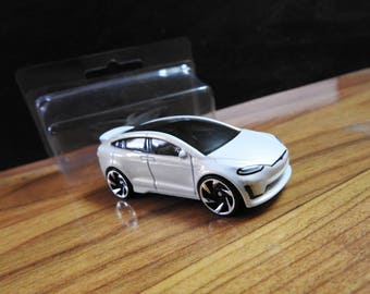 MAGNET Tesla Model X w/Collector Case HotWheels Diecast Car Truck Custom Refrigerator Magnet W