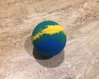 Handmade Bath bombs, Scented with Refresh: Lime, Lemon and Rosemary. Aromatherapy, All Natural and Made to Order, Amazing Colored Water