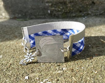 Bracelet with square engraved connector