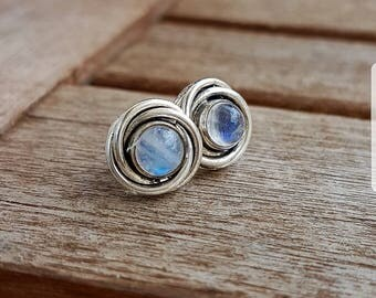 Action! Silver earrings with Moonstone 12Fr. instead of 35Fr.
