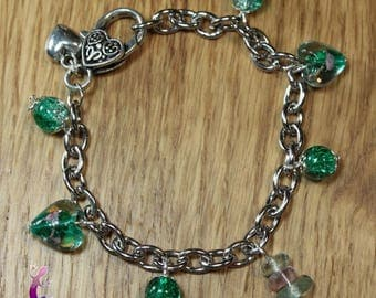 Chain bracelet with fluorite and green lampwork murano glass beads