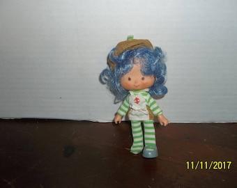 "vintage 1980's strawberry shortcake crepe suzette doll 5 1/4"" tall"