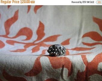 ON SALE stunning vintage sterling silver boho band ring  size 6