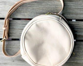 Leather Belt Bag / Round Leather Belt Bag / Leather Fanny Pack / Festival Fanny Bag / Bum Bag Leather / Monogram Fanny Bag / Waist Bag