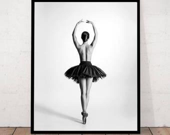 ballerina print, ballerina photography, black & white photo, ballerina dancer, en pointe, ballerina art