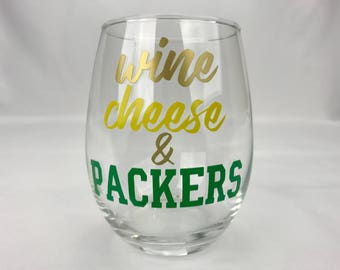 Packers Wine Glass - Wisconsin Gift- Wisconsin Glass - Green Bay Packers - Go Pack Go - Football Gift - Wisconsin Wine Glass - Wine Gift
