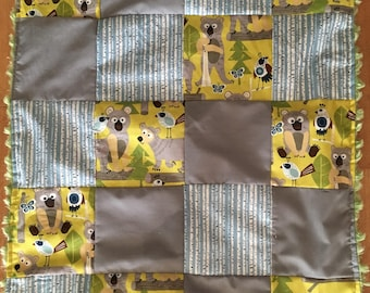 """Small blanket cover bears Birch patchwork quilt green grey blue 22 """"x 28"""""""