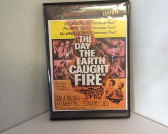 The Day The Earth Caught Fire DVD-1961-Sci-Fi-Atomic