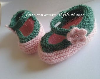 Pink wool ballerina type shoes with side flower