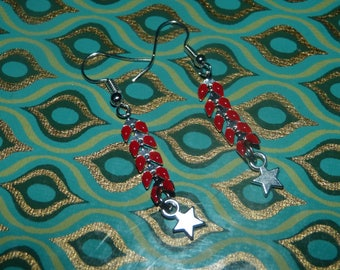 Earring chain red spike & star