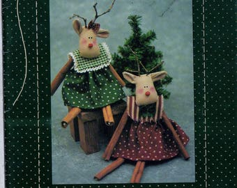 """Sewing Pattern Country Stitches Ruthie Reindeer - Easy to Make 7 1/2"""" Cinnamon Stick Reindeer Designed by Brenda Gervais Uncut"""