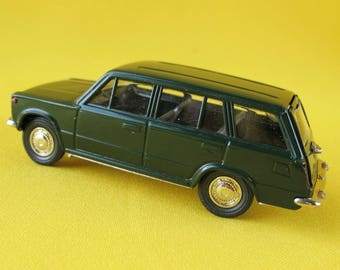 Russian VAZ -2102 Zhiguli A11 1:43 Diecast Toy Soviet Scale Model Car USSR