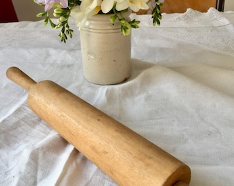 Vintage 1950's wooden rolling pin.