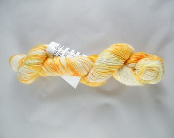 Single Ply Fingering Yarn - Handdyed in Canada -Sunrise Speckle - 100% Superwash Merino - 100g  - 387 yd - Bog Yarn - #482
