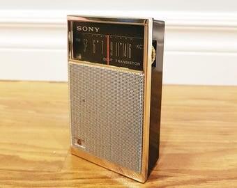 Vintage 1963 SONY TR-826 Pocket Transistor Radio, Working