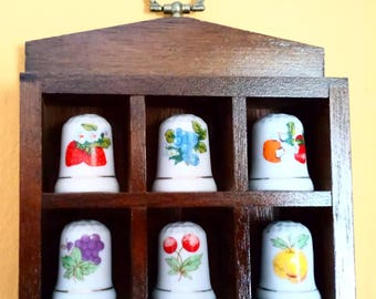 Collection Thimbles on your bookshelf