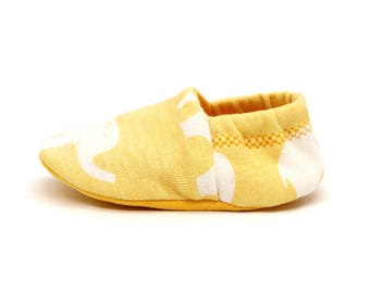 """babies & toddlers """"elephants"""" - sweet baby shoes from organic cotton jersey from birch fabrics"""