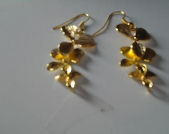 Earrings with flower plated gold