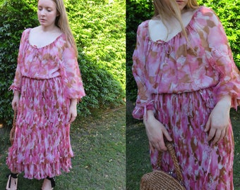 70's TRUE ROMANCE Floaty Pink Floral Dress / Bohemian Ballon Sleeve Ruffle Full Pleat Skirt / Spring Pretty Dresses Vintage Print