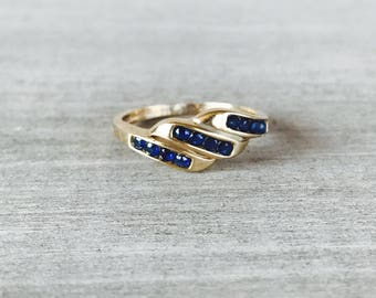 Vintage sapphire and yellow gold ring