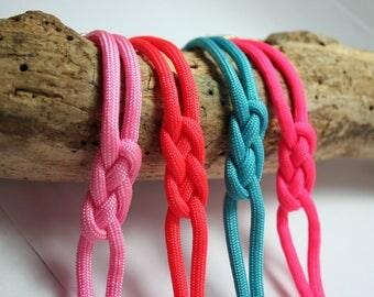 Simple rope knot bracelet