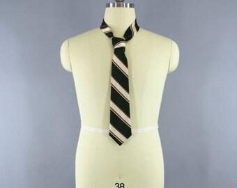SALE - Vintage 1970s Mens Tie / Vintage 70s Necktie / Men's Tie / Vintage Cravat Neck Tie / Vintage Menswear / Green Stripes / Pride of Engl