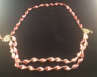 70's pink pearlised Necklace