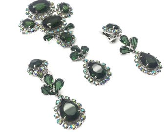 CHRISTIAN DIOR 1958 Vintage Green Tourmaline Paste Crystal Brooch & Earrings Set