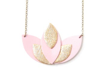 Pia necklace pastel pink and gold