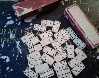 VINTAGE  EXCELSIOR White Clay DOMINOES Made In Cincinnati U S A