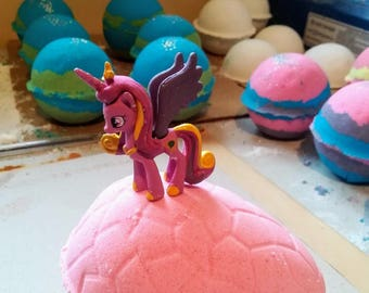 Girls Only! Easter Egg Bath Bomb - Hidden Cute Pony Toy