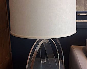 Dorothy Thorpe Vintage Lucite Lamp