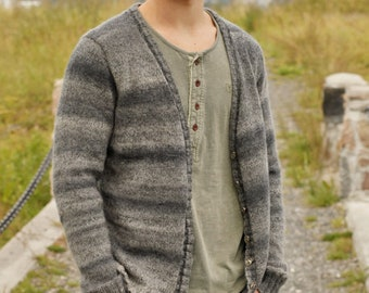 Color selection: Men's cardigan hand knit