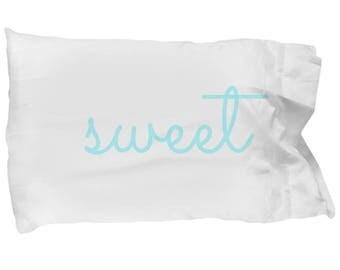 Set of 2 SWEET DREAMS Pillow Case Set of 2 Decorative Pillowcases In Script Font Light Blue Bedding Bedroom Guest Room Decoration Cute Decor