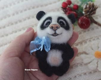Needle felted panda bear, Brooch panda, needle felted animals, felt Panda, felting, felt ornaments, felt toy, handmade brooch, beautiful toy