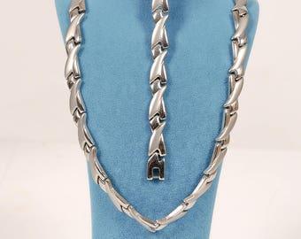 Steel Set,Steel Necklace,Steel Wristband,Gift for Her,Birthday Gift,Woman,Steel Jewelry,Dainty,Impressive,Modern,Anniversary