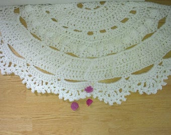 Semicircle  white floor lace living room mat. White rug-living room rug-floor mat carpet.