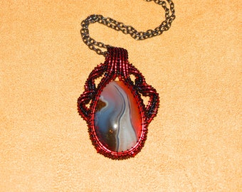 311 Center ribbon weaved red and black Big Diggin teardrop agate