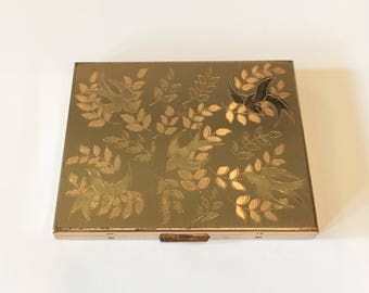 Elegant Vintage Elgin Compact with etched bird and floral motif