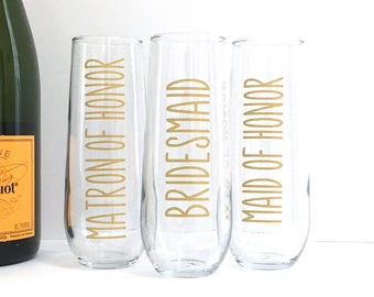 Rustic Wedding Champagne Flutes for Bridesmaid, Maid of Honor, Bride - Stemless Wedding Glasses - Gold Barn Wedding Flutes Bridal Party Gift