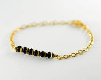 gold-plated bracelet with Onyx and Hematite