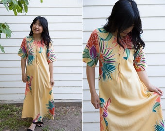 1970's Yellow Kaftan // Floral Maxi Dress