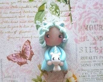 Collier poupée licorne bleu
