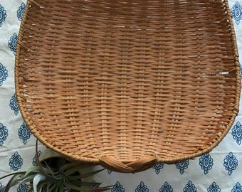 Vintage scoop basket