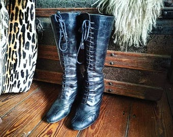 Black leather Victorian style lace up heeled boots size 7